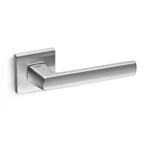 satin chrome lever handle on square rose mandelli